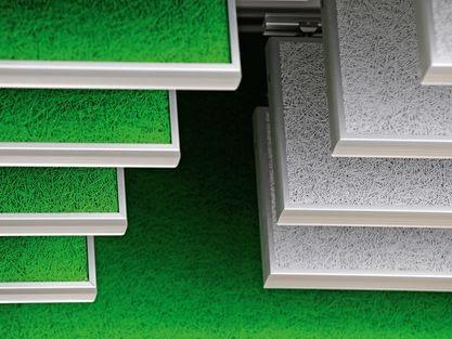Sufity podwieszane z wełny drzewnej - Heradesign nr 1 wśród  sufitów akustycznych akustyka
