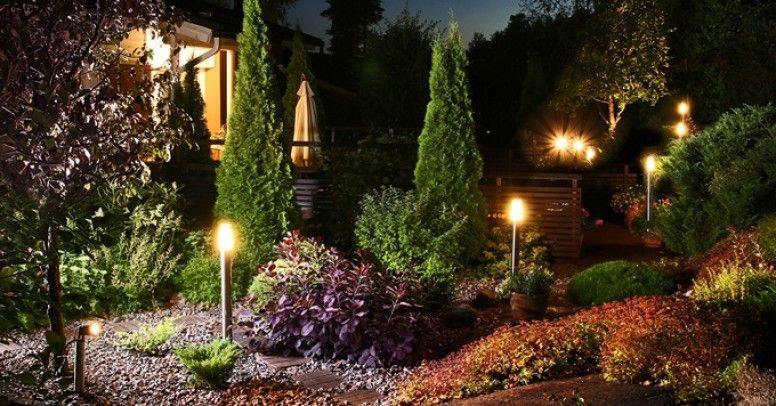 i2 oswietlenie ogrodu   jak podswietlac rosliny i dekoracje